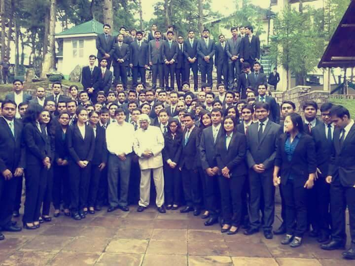 APJ Abdul Kalam Last Pic with students at IIM Shillong